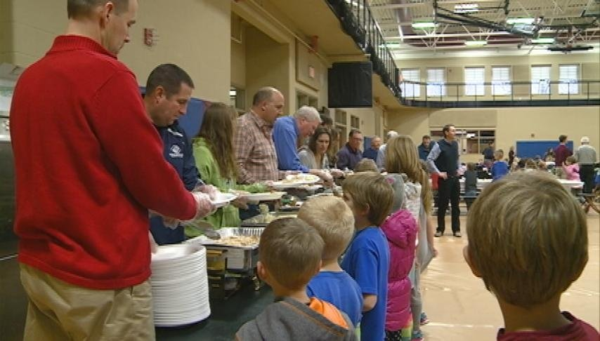 B&G of Greater La Crosse hosts annual Thanksgiving dinner