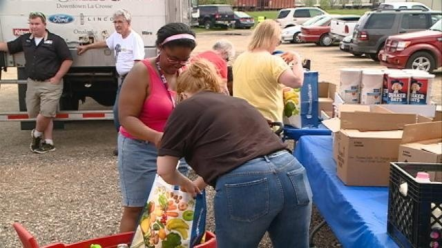 'Breakfast on Us' works to fight hunger