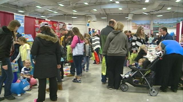 Thousands get ready for Summer at the Family Fun Expo in Onalaska