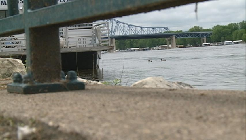 City of La Crosse looks at maintaining levees