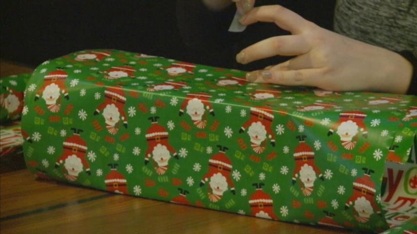 Gift Wrapping Event benefits Hunger Task Force