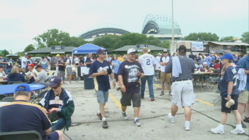 Tickets still available for Brewers' La Crosse Area Day
