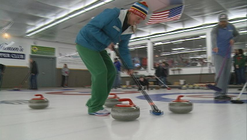 Centerville Curling Club teaches the public about the sport of curling