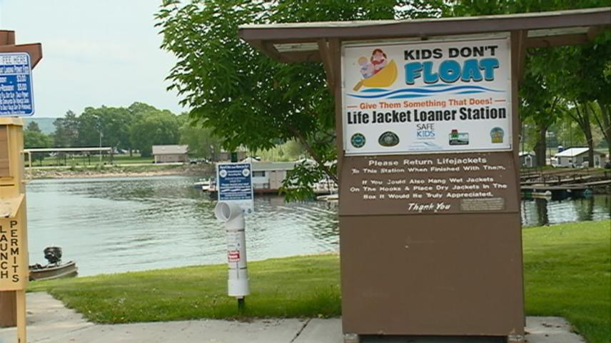 Free loaner life jackets available for area boaters