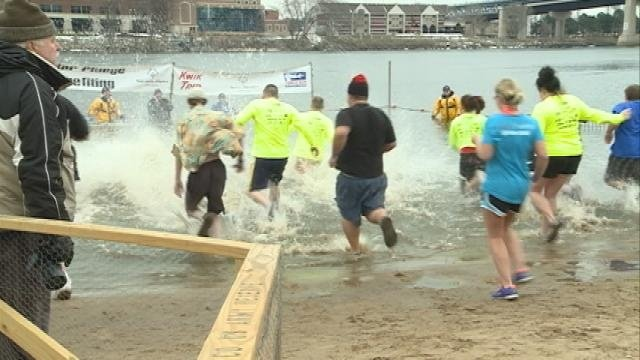 Hundreds took part in 18th Annual Polar Plunge