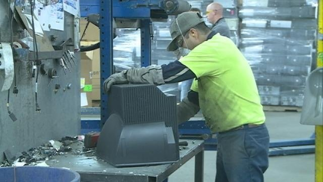 La Crosse business working to keep e-waste out of landfills