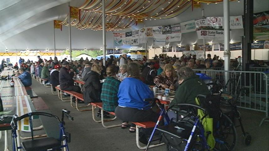 Breakfast kicks off Oktoberfest in La Crosse