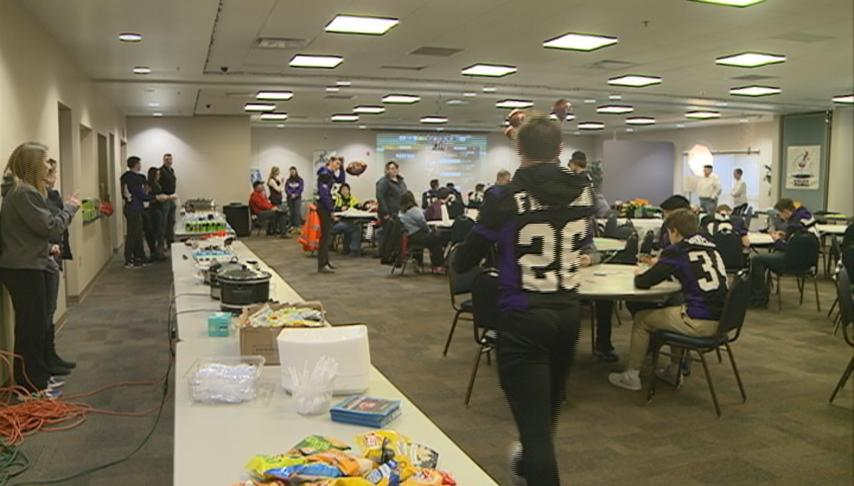 Onalaska Football team hosts tailgate party to help people with disabilities