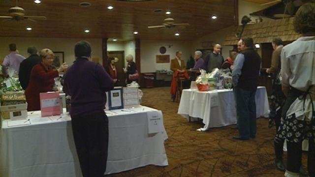 Taste of Onalaska draws hundreds to event