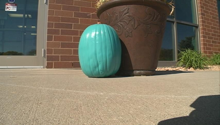 Teal Pumpkin Project gives alternatives for kids with food allergies this Halloween
