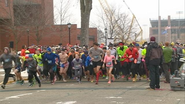 Hundreds participate in 20th Annual Turkey Trot