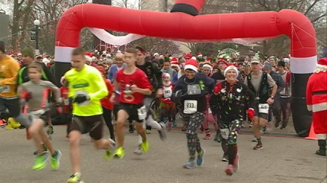 Hundreds participate in Ugly Sweater 5K in La Crosse