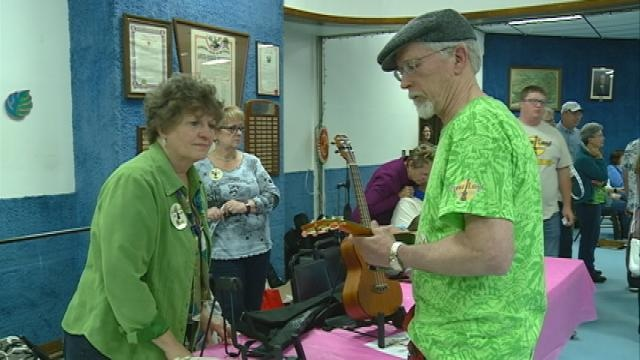 Ukulele players take over Moose Lodge for 3rd annual Uke-A-Palooza
