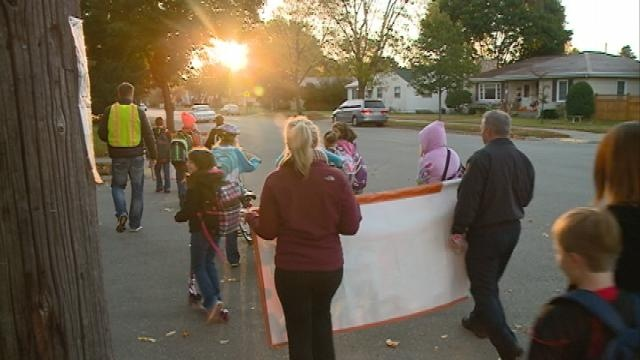 Walk to School Day gets area kids out of the cars