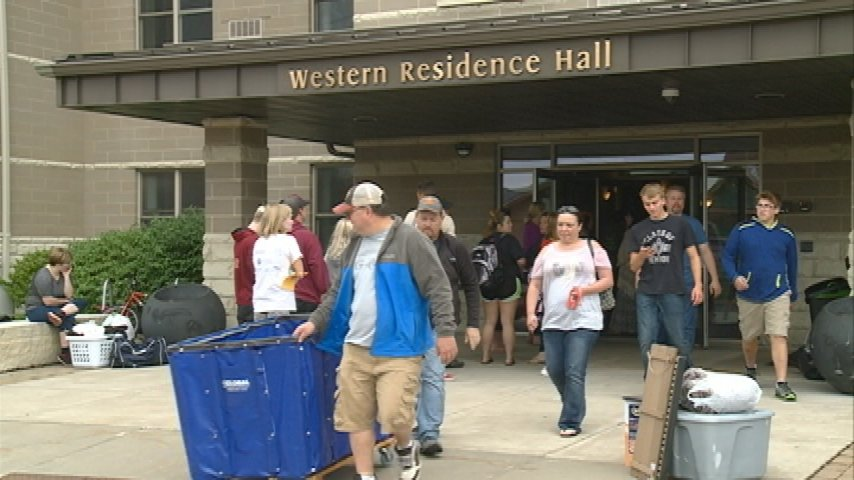 Western Technical College students move into residence hall