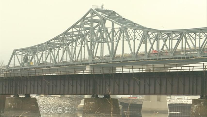 Span of Latsch Bridge in Winona to be removed this week