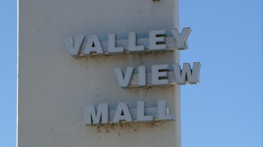 Businesses sticking by Valley View Mall despite uncertain future