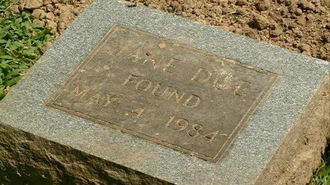 Vernon Co. Sheriff's Dept. exhume 'Jane Doe' killed in 1984