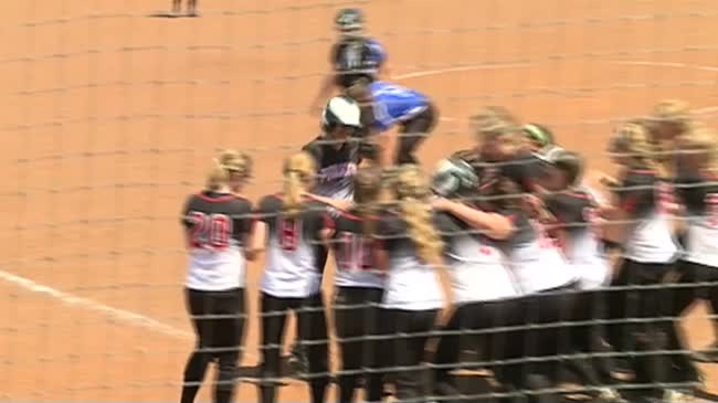Cochrane-Fountain City softball eliminated in state semifinals