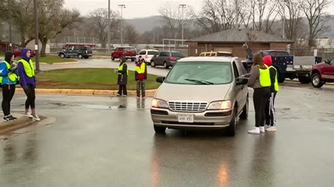 Logan High students give peers a lesson in distracted driving