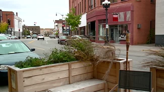 La Crosse's first parklet coming down for the season