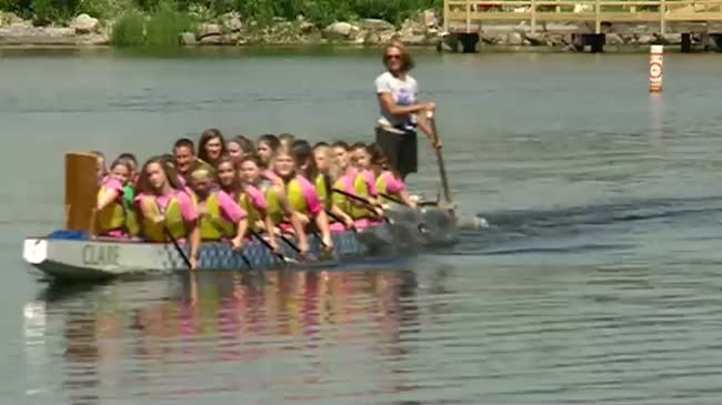 Students form dragon boat team for teacher with cancer