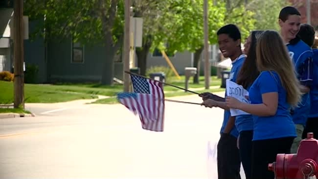 Area students join forces to support U.S. troops