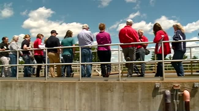 Tour highlights area's water quality