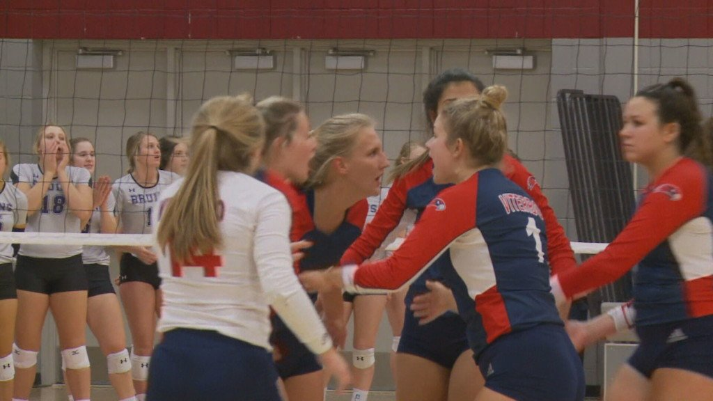 Accolades pour in for Viterbo volleyball