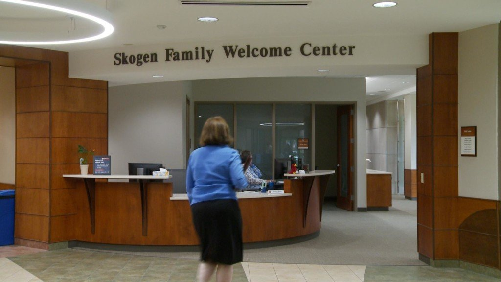 New welcome center opens on Viterbo University campus