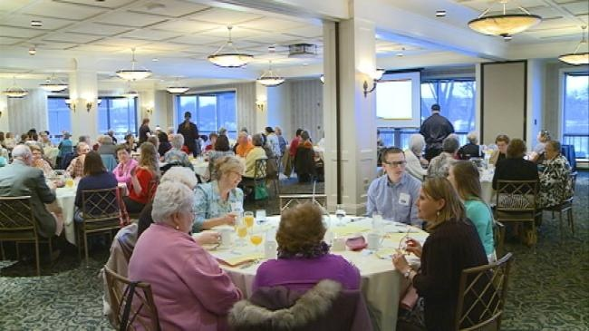Volunteers honored at breakfast in La Crosse