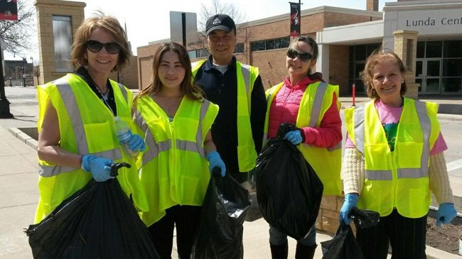 Volunteers clean up La Crosse college campus