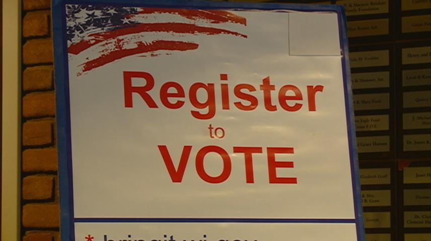 Wisconsin organizations help people register to vote for National Voter Registration Day