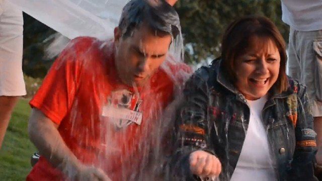 Scott Walker, wife take ALS 'Ice Bucket Challenge'