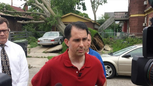 Gov. Walker tours La Crosse storm damage