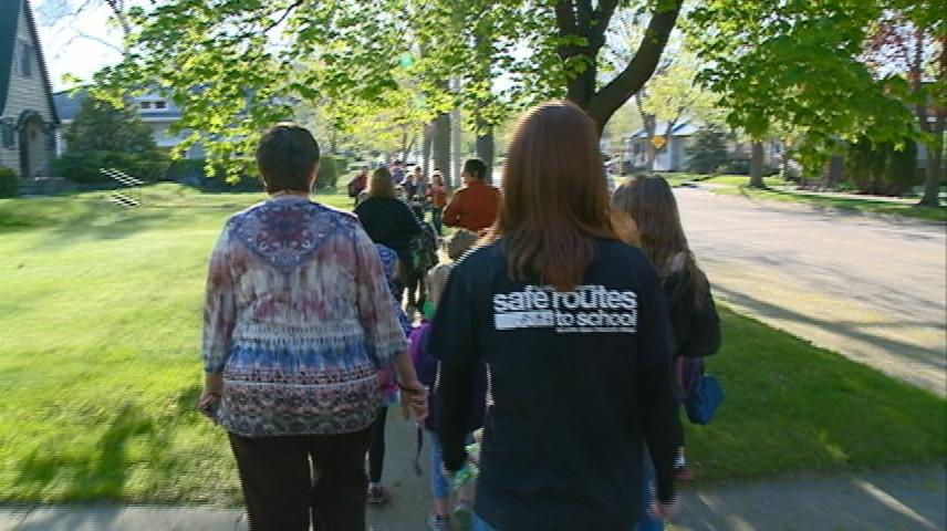 La Crosse students take part in Wheel to School Week Challenge
