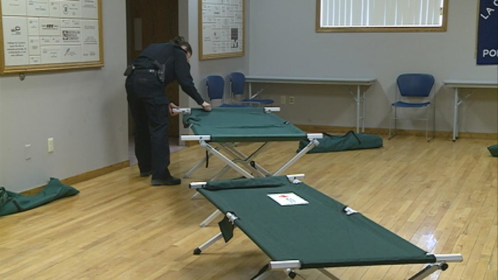 Deadly cold weather has warming shelters preparing for extra people