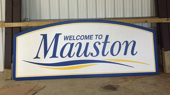 Mauston 'welcome' signs not welcome on state highways