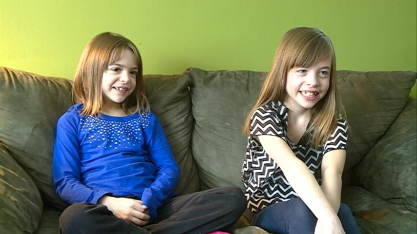 Local girls donate Christmas money to slain NYPD officers
