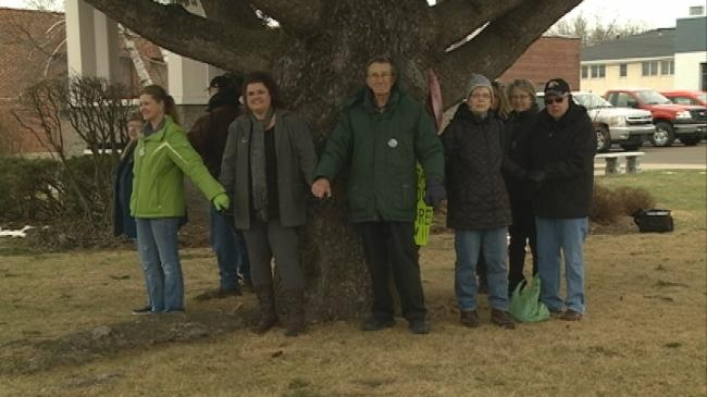 Whitehall residents speak out against removal of historic tree