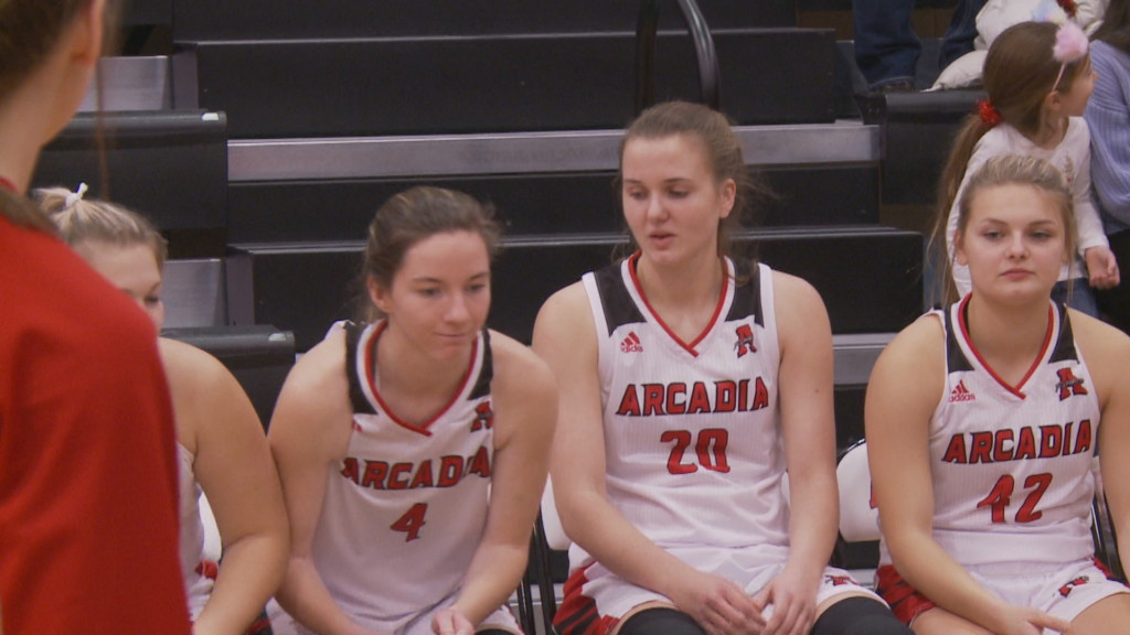 Arcadia girls cruise to lopsided win