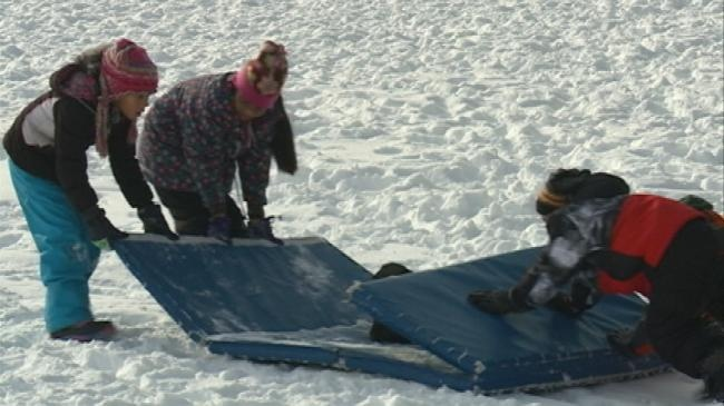 Students learn how to stay active while having winter fun