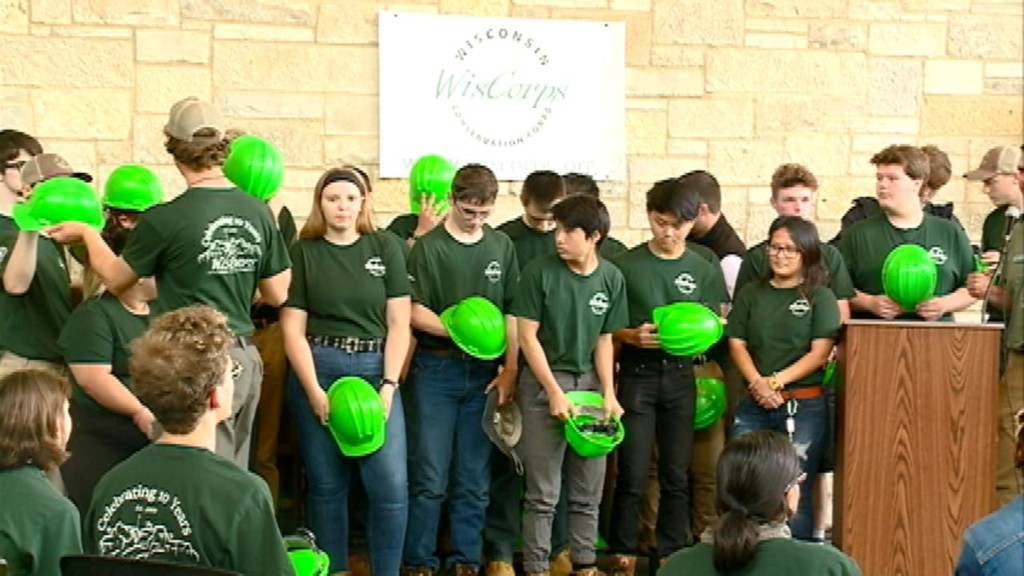 Teens, young adults to work on conservation projects throughout state