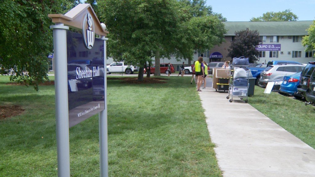 Students move into dorms on Winona State dorms ahead of fall semester