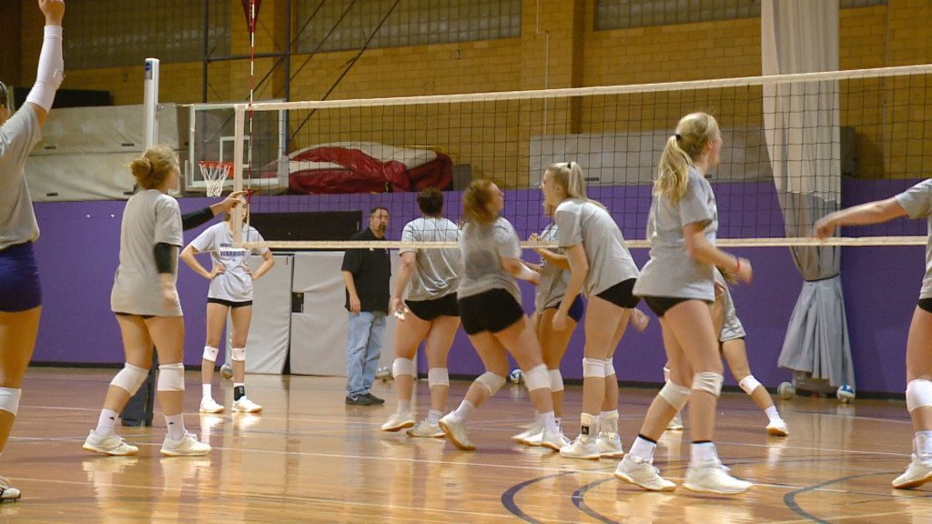 Flom earns national recognition after Winona State volleyball pulls off consecutive upsets