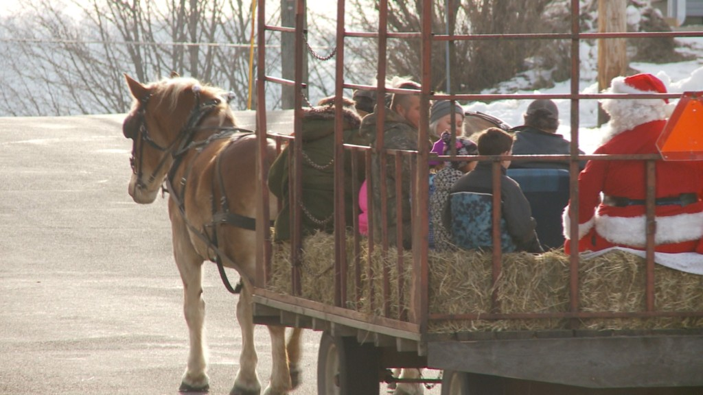 Small community enjoys a day of Christmas in the park