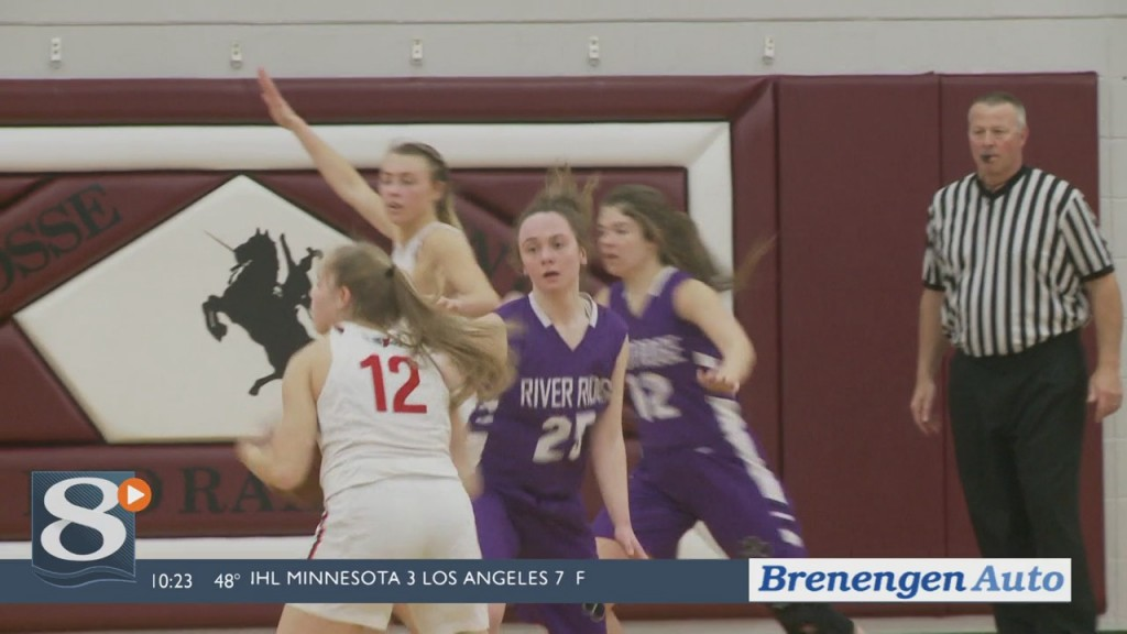 Bangor Girls Hold On Late, Advance To State