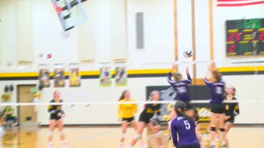 Onalaska plays Tomah in a big MVC Volleyball match