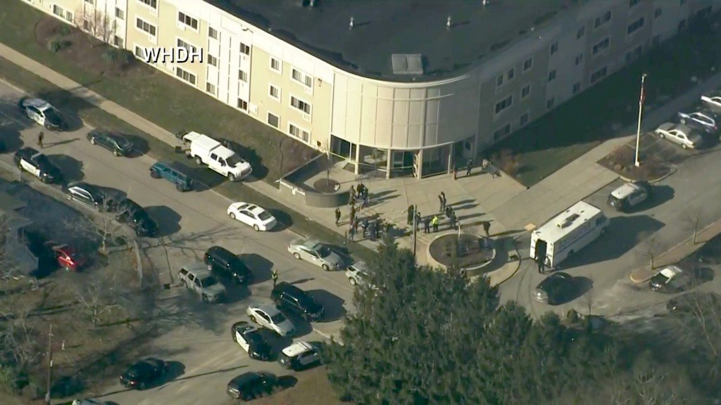 3 hurt in shooting at Rhode Island apartment complex