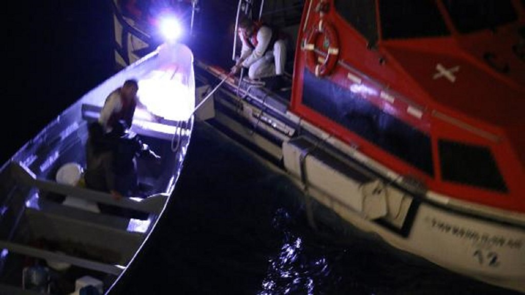 Cruise ship rescues men stranded at sea for 3 weeks